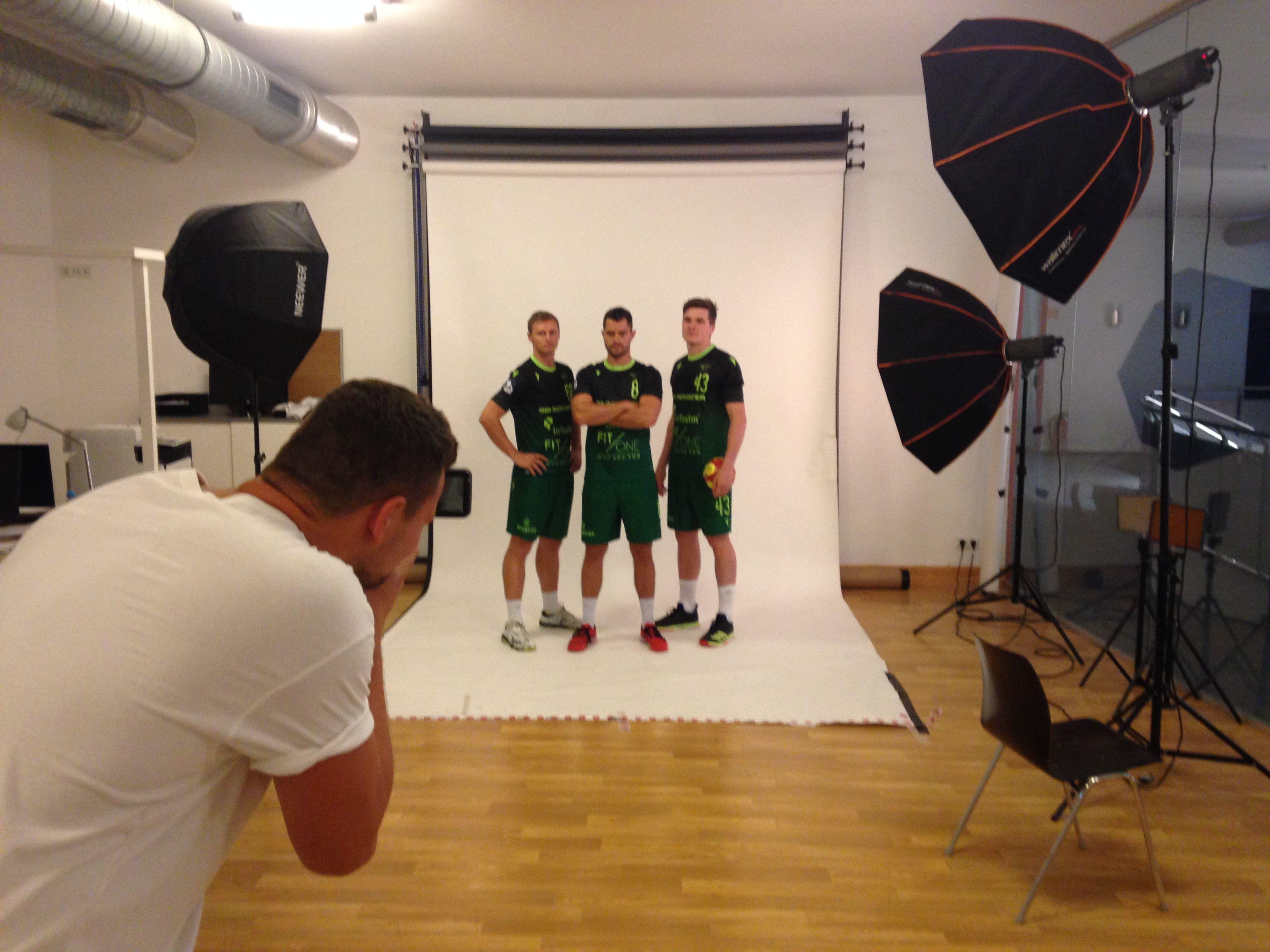 Julian Sauer, Dominik Schömig und Yannik Bialowas beim Saisonshooting 2019/20