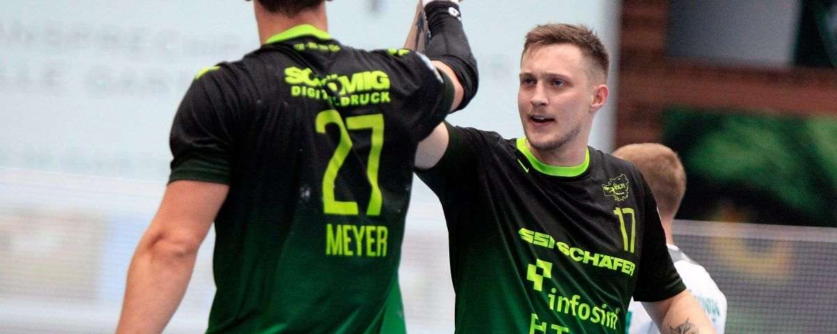 v.li.: Philipp Meyer (DJK Rimpar Wölfe), Patrick Schmidt (DJK Rimpar Wölfe) jubeln, 28.09.2019, Würzburg, 2. Handball-Bundesliga, DJK Rimpar Wölfe - HC Elbflorenz Dresden