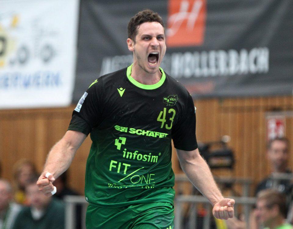 v.li.: Benedikt Brielmeier (DJK Rimpar Wölfe) jubelt, Einzelbild, 28.09.2019, Würzburg, 2. Handball-Bundesliga, DJK Rimpar Wölfe - HC Elbflorenz Dresden