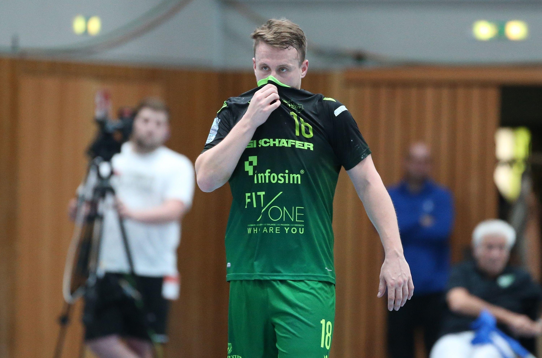 v.li.: Steffen Kaufmann (DJK Rimpar Wölfe) enttäuscht schauend, Enttäuschung, disappointed, Einzelbild, 11.10.2019, Würzburg, 2. Handball-Bundesliga, DJK Rimpar Wölfe - SG BBM Bietigheim