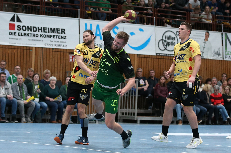 v.li.: Tim Gentges (HSG Krefeld), Michael Schulz (DJK Rimpar Wölfe), Henrik Schiffmann (HSG Krefeld), 01.02.2020, Würzburg, 2. Handball-Bundesliga, DJK Rimpar Wölfe - HSG Krefeld