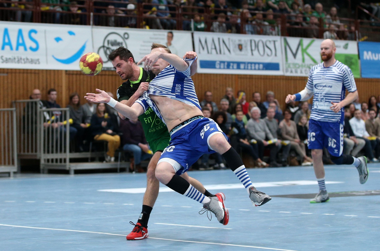 v.li.: Dominik Schömig (DJK Rimpar Wölfe), Lukas Blohme (VfL Gummersbach), Alexander Becker (VfL Gummersbach), 08.02.2020, Würzburg, 2. Handball-Bundesliga, DJK Rimpar Wölfe - VfL Gummersbach